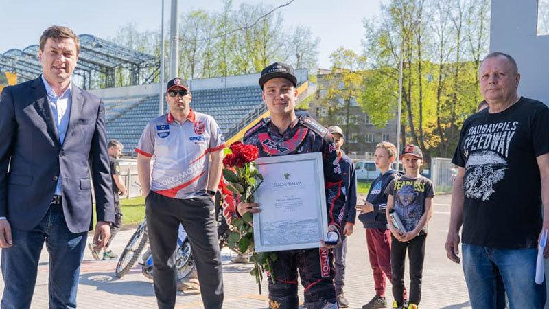 Олег Михайлов получил премию года